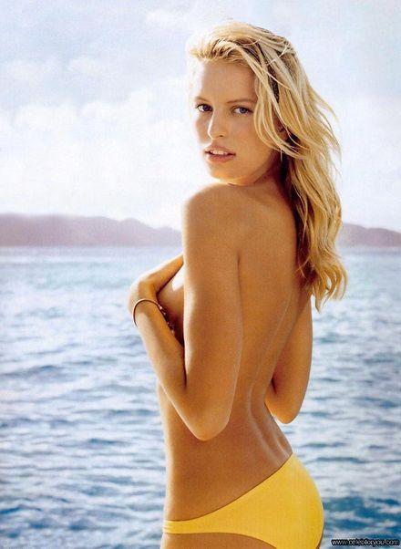 Karolina Kurkova en petite culotte jaune
