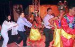 Hugo Chávez danse avec Keiko Fujimori