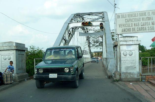 Puente Unión entre Puerto Santander (Colombia) y Boca del Grita (Venezuela)
