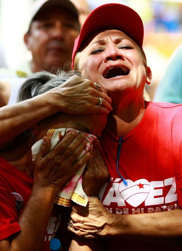 Pleurs à l'annonce de la récidive du cancer de Chávez