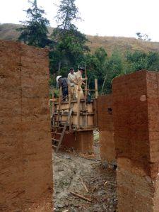 Maison de tapia en construction