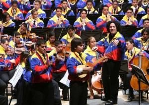 Gustavo Dudamel dirige l'Orchestre national Simón Bolívar