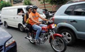 En mototaxi à Caracas