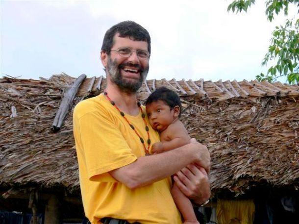 Avec un bébé Warao dans le Delta de l'Orénoque