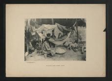 Femmes Waiomgomo filant le coton