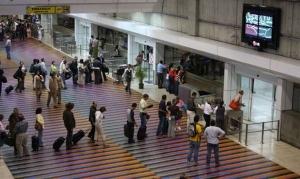 Embarquement pour l'étranger à l'aéroport de Maiquetìa